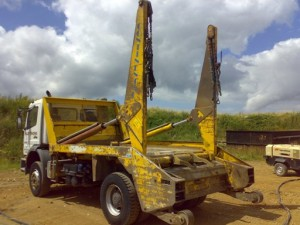 Skip lorry lhs before Paint Removal